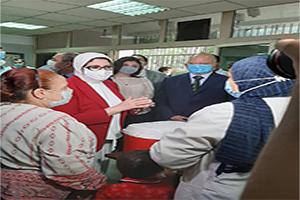 وزيرة الصحة ومحافظ القاهرة يشهدان مبادرة التطعيم ضد شلل الأطفال